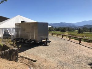 Luxury_Restroom_Trailer_Applegate_Valley_Vineyard
